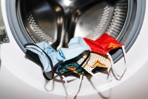Wäsche waschen und Corona: Was hilft gegen Viren?